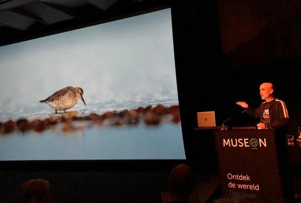 Foto van lezing Sijmen Hendriks, Museon, Den Haag